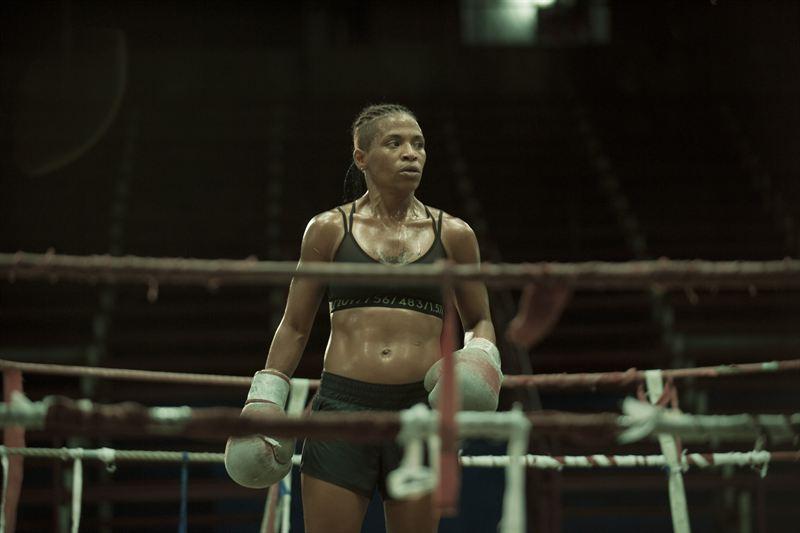 Серфингист без ноги, трансгендерная женщина и девушка-боксер в новой линии спортивной одежды For Every Victory