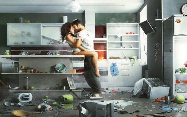 страстная пара на кухне фото