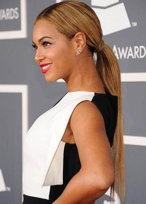 Прически знаменитостей на длинные волосы