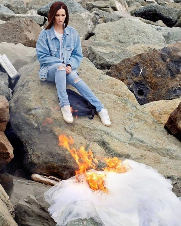 Что сделать платье сожгла