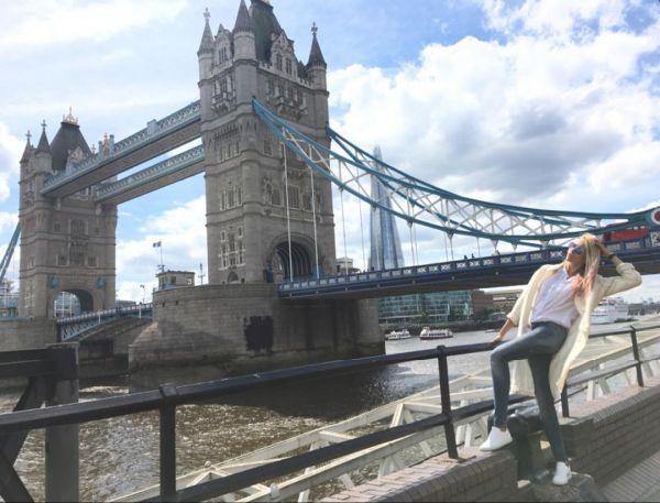 полякова отдыхает в лондоне