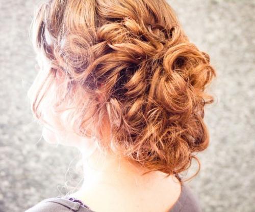 Легкая прическа на вечер на средние волосы своими руками фото 340
