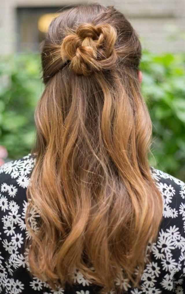 Прическа на длинные волосы в жару