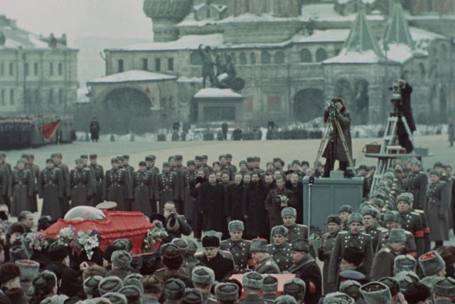 Фильм Сергея Лозницы о смерти Сталина Государственные похороны: трейлер и история документального кино