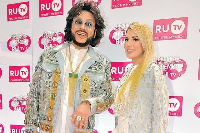 Поклонники Филиппа Киркорова подозревают, что поп-король снова вместе с Катей Гусевой (ФОТО)