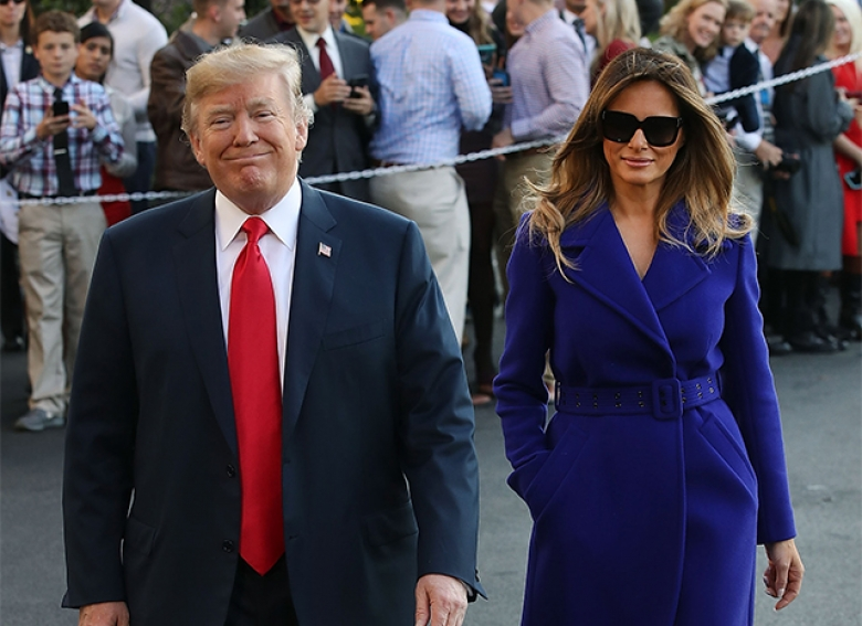 Выбирай лучший из образов Мелании Трамп в азиатском туре.