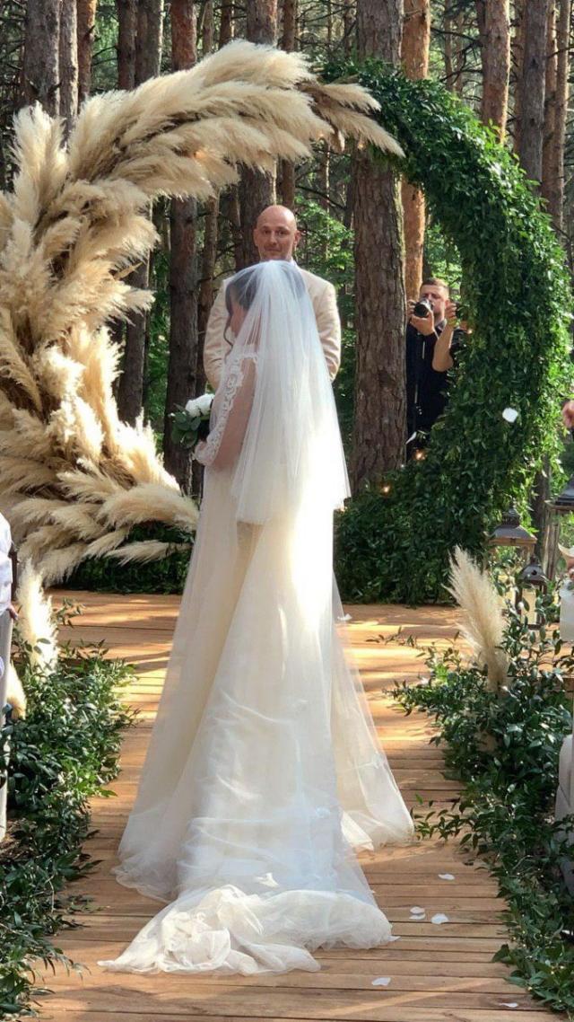 какой была свадьба каменских и потапа