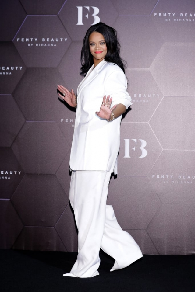 Рианна на открытии своего бьюти-бутика в Сеуле