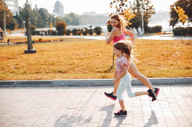 бег с ребенком