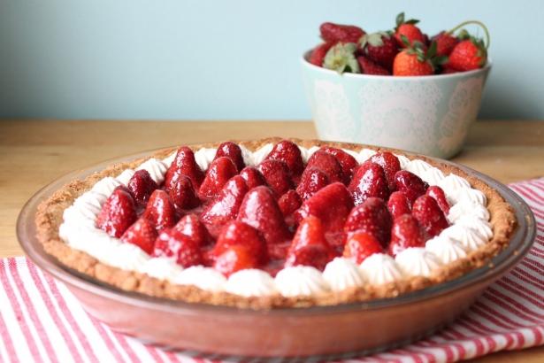 Рецепт воздушного клубничного пирога