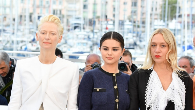 Дайджест новостей про Каннский кинофестиваль: Тильда Суинтон вступилась за Киру Муратову, а поклонники осудили Селену Гомес
