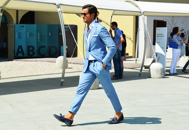 Мужская мода: как носить обувь без носков этим летом