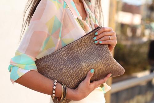 Модный цвет одежды классического стиля