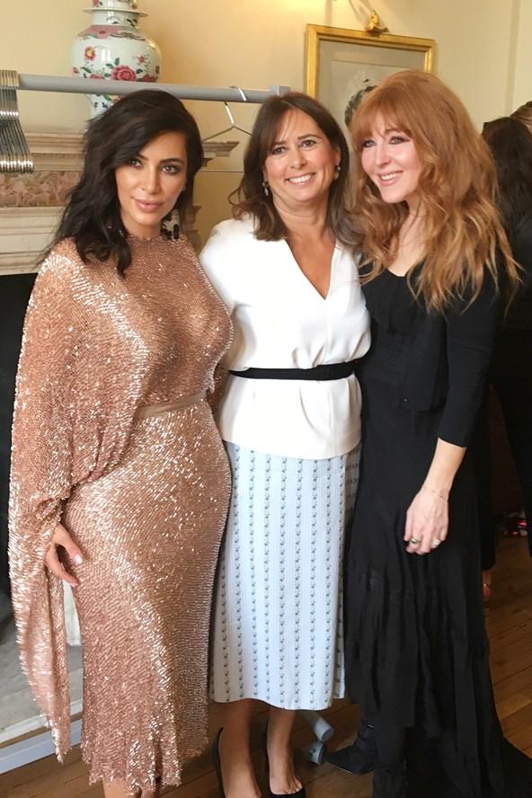 Скандал в высшем обществе: Ким Кардашьян надела свое самое голое платье на Vogue 100 Festival