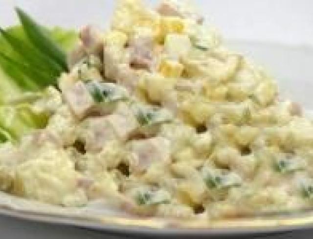 Салат оливье с яйцом