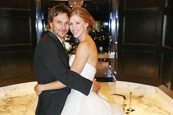 Бывший муж Бритни Спирс показал фото со свадьбы: http://hochu.ua/cat-stars/novosti-shou-biznesa/article-42185-byivshiy-muzh-britni-spirs-pokazal-foto-so-svadbyi/