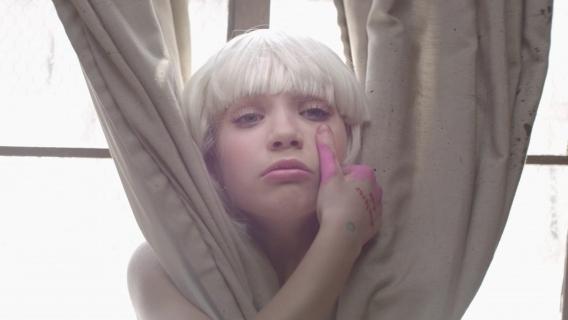 Девочка с белыми волосами клип