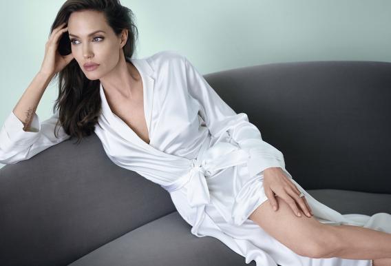 Что подарил Брэд Питт Анджелине Джоли на 40-летие