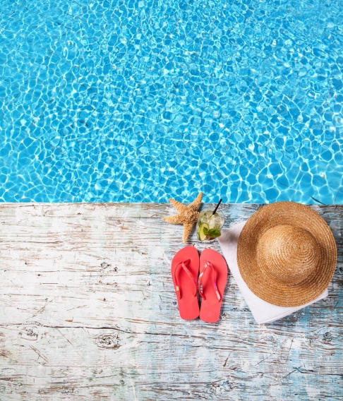 Летний сезон у бассейна в Киеве: лучшие пляжные площадки столицы