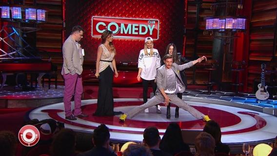 Как Анна Седокова и VARDA учили ведущих Comedy Сlub садиться на шпагат