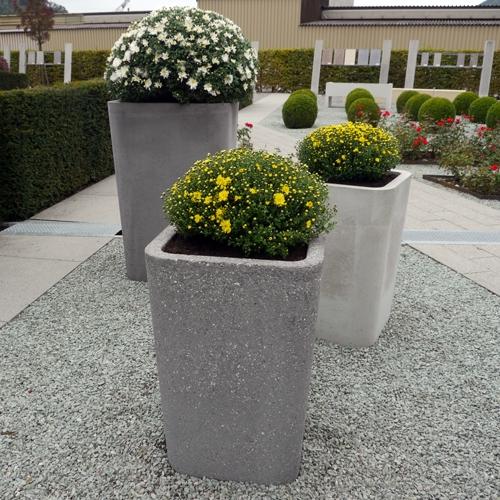 Особенности использования цветочниц и горшков для цветов