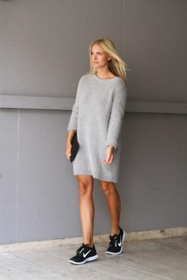 Мода в платьях и кроссовках
