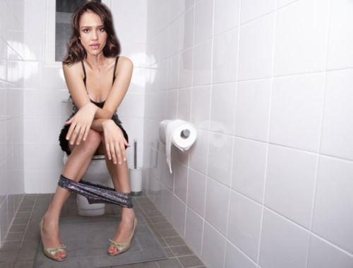 Видео звезды в туалете