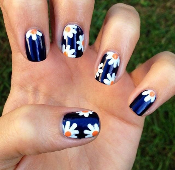 Фото дизайн для ногтей цветочный