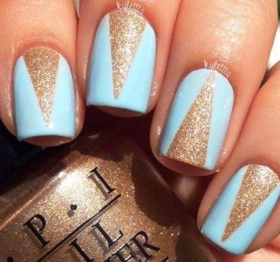 Ногти дизайн треугольник