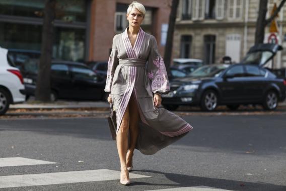 Вышиванку с чем носить женскую
