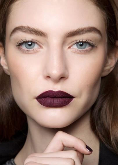 Картинки по запросу макияж с темной помадой