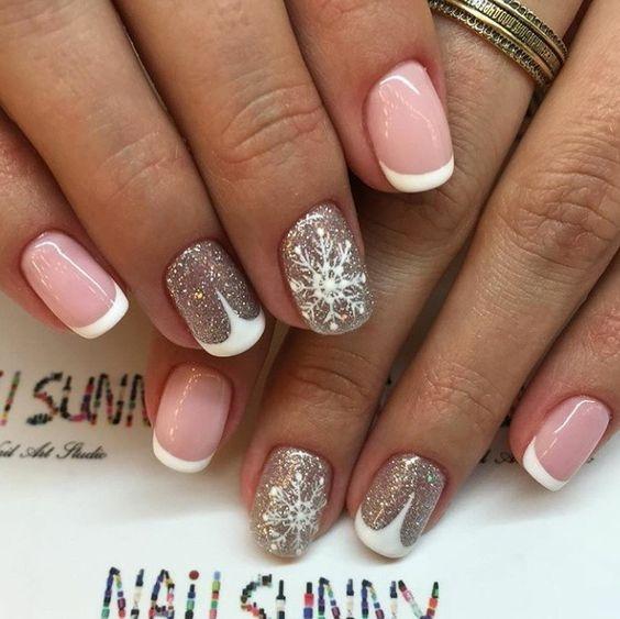 Маникюр нежно розовый и серый