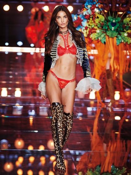Сексуальный показ моды модели смотреть в лучшем качестве