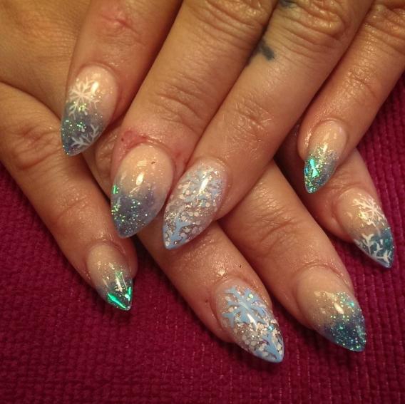 Фото дизайна фиолетовых ногтей