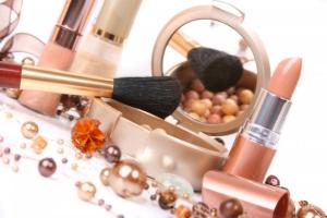 Какие 5 вещей лишние в вашей косметичке