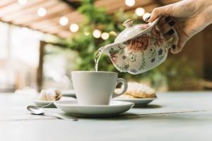 Почему чай надо пить горячим