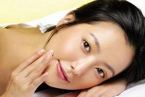 Как омолодить лицо с помощью массажа