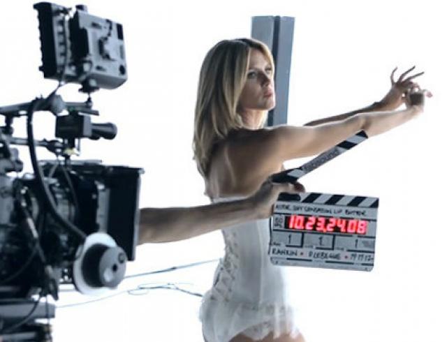 Хайди Клум в рекламе декоративной косметики Astor Cosmetics