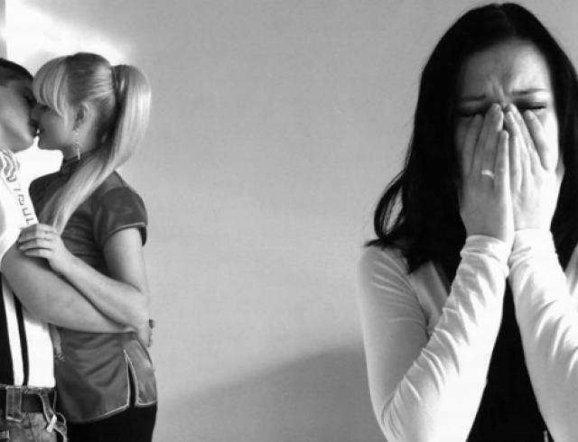 беременная жена привела мужу подружку видео
