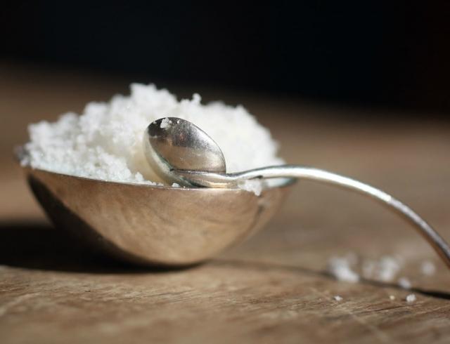 Чем выводят соли из суставов боли плече локтевом суставе