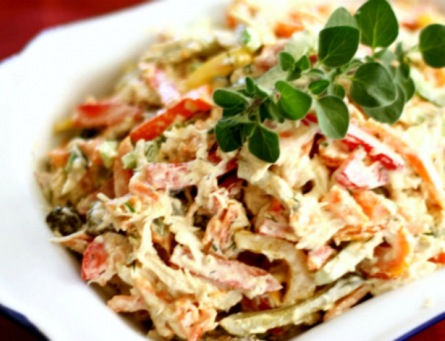 Рецепт салата с копченой курицей грибами ананасом