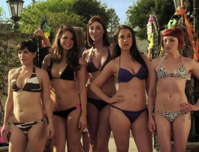 Смотреть онлайн весенний праздник бикини тренировки