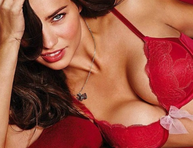 Идеальная огромная грудь видео фото 375-414