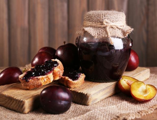 Три интересных рецепта сливового варенья, которые нужно сохранить