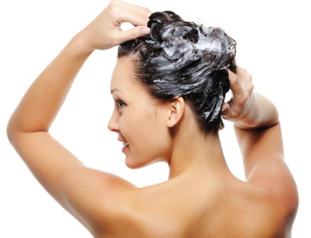 Как помыть голову с длинными волосами