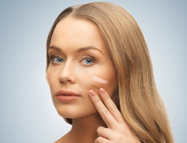 макияж с тональным кремом пудрой и бронзером