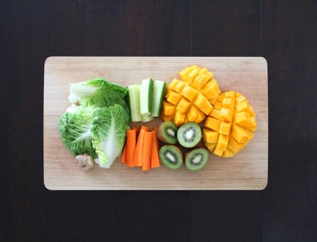 Новая диета 16/8: названы часы дня, когда можно есть все и худеть.