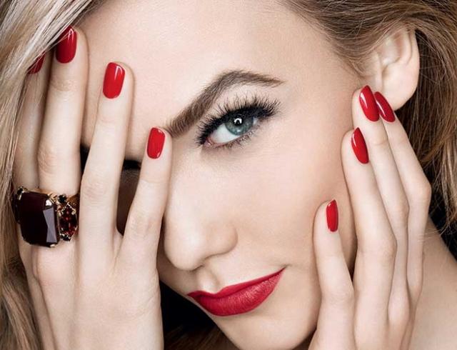 Фото из рекламы косметики