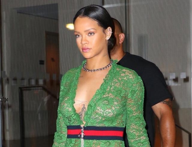 Голосуем! Hot or Not  Рианна в прозрачном платье Gucci (фото) 603b24b87f9