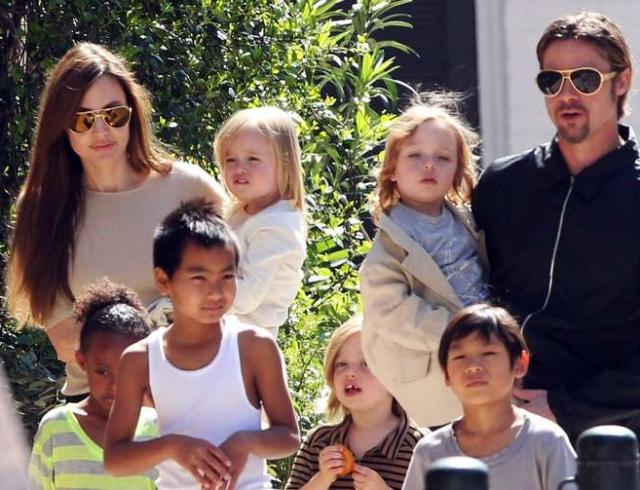 Анджелина Джоли рассказала, что ее дети разговаривают на 6-ти языках